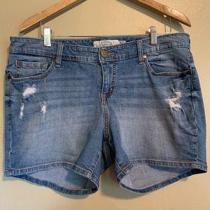 Torrid   Distressed Denim Shorts   18